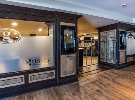 Gustav Chophouse & Bar