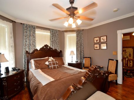 Bacchus House Bed & Breakfast