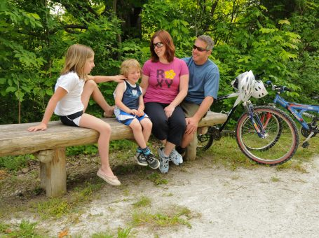 Enjoy the Georgian Trail with your family - on foot or by bike!